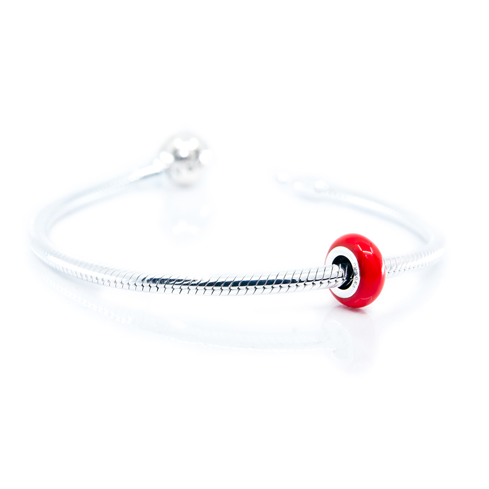 coloured spacer on bracelet